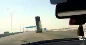 LKW Kippfläche Crash Autonbahn