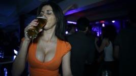 Wie man Bier nicht trinken sollte