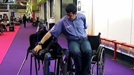 Rollstuhl, Roboterbeine, Querschnittlähmung