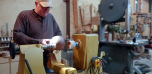 Woodturning the 8 Ball